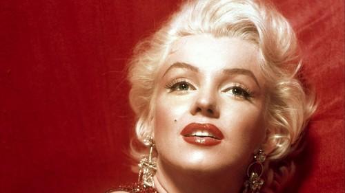 Marilyn-Monroe-marilyn-monroe-36954509-500-281